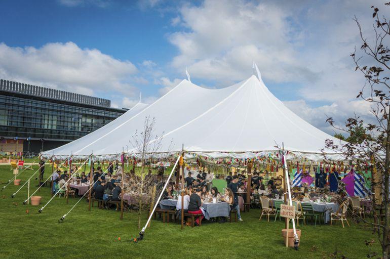 Nadela sirvió el catering de un evento de 3.000 personas organizado por Inditex para inaugurar la sede de Pull&Bear en Narón