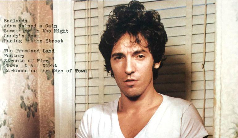 Desde joven Bruce Springsteen mostró su espíritu rebelde y pasión por el rock, ya que abandonó los estudios para ser como su admirado Elvis