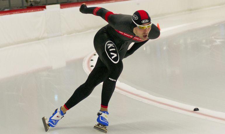 Iñigo Vidondo, durante una prueba de patinaje de velocidad sobre hielo.
