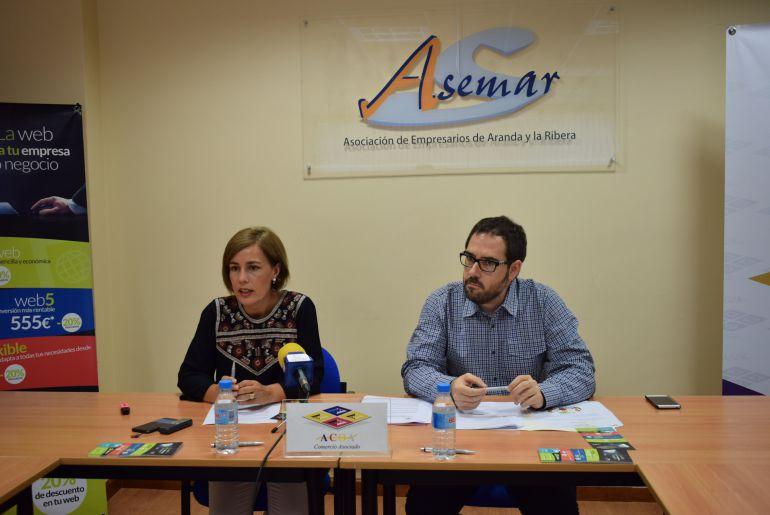 Olga Rojo, presidenta de ACOA, y José Félix Criado, de Ecoplanes