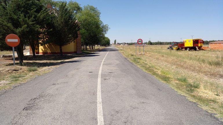 Corte en la carretera entre Pinarnegrillo y Fuentepelayo