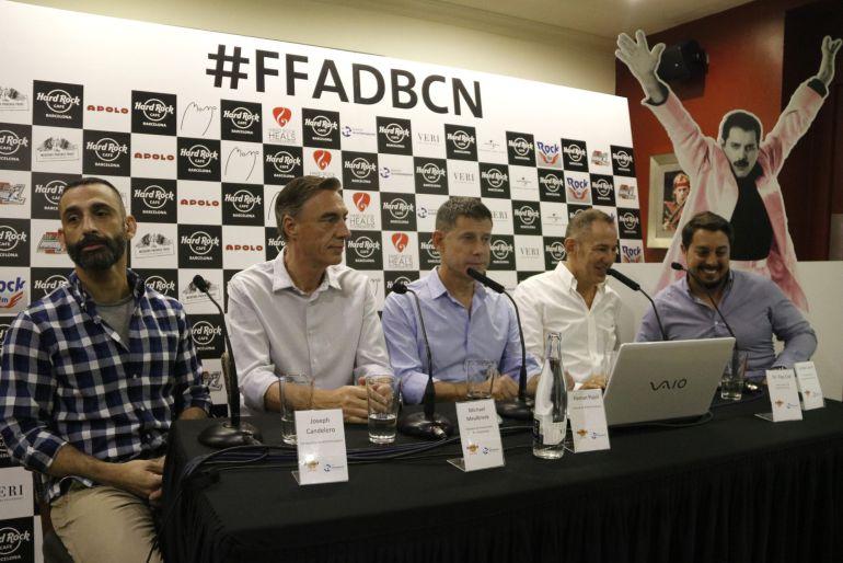 Pla mitjà de Joseph Candeloro, activista, el president de NOMS-Hispanosida, Michael Meulbroek, Ferran Pujol, director de BCN Checkpoint, i el doctor Pep Coll