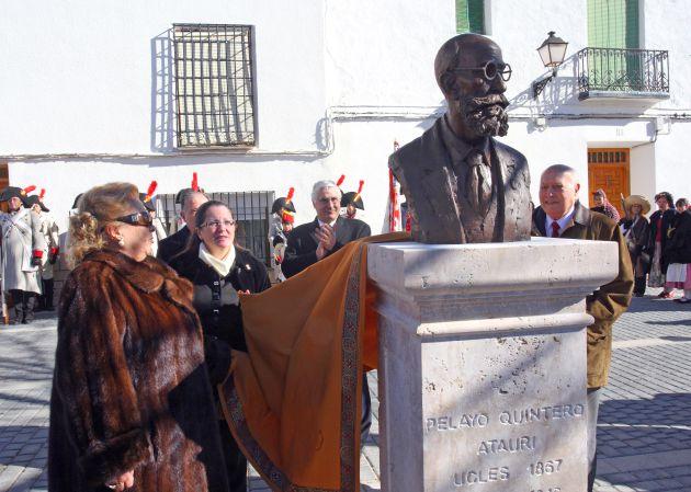 Inauguración del busto de Pelayo Quintero en Uclés el 22 de enero de 2011.
