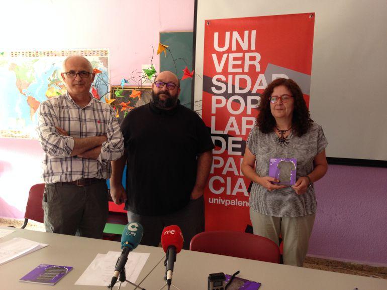 De izquierda a derecha Agustín González, Ignacio Frontela y Concha Lobejón