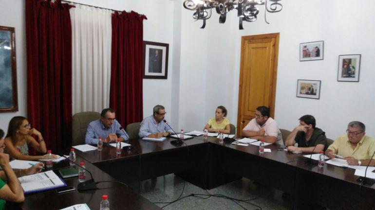 El popular Damián Martínez preside el primer pleno tras la moción de censura en Begíjar.