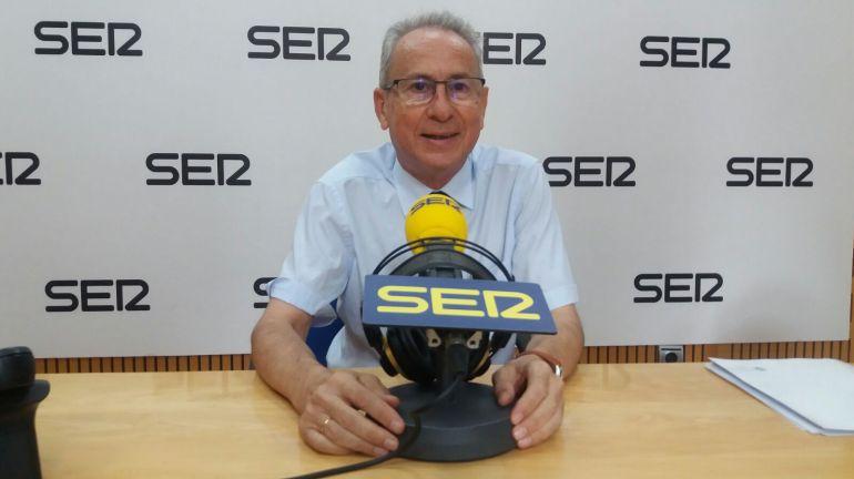 Miguel Ángel Ródenas, presidente de la CHS, en los estudios de Radio Murcia-Cadena SER