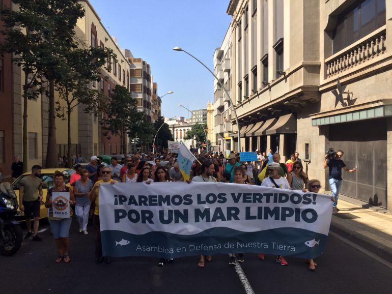 Cabecera de la manifestación celebrada en Tenerife.