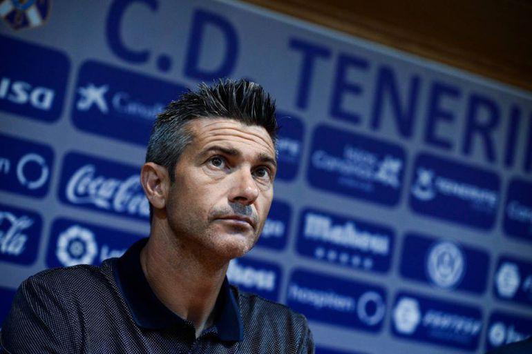 El técnico del CD Tenerife, objeto de las críticas