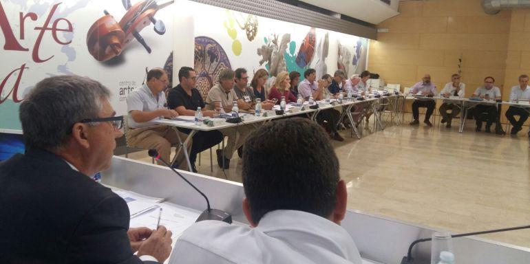 Reunión este lunes del Observatorio del Comercio, presidido por el conseller de Economía, Rafael Climent