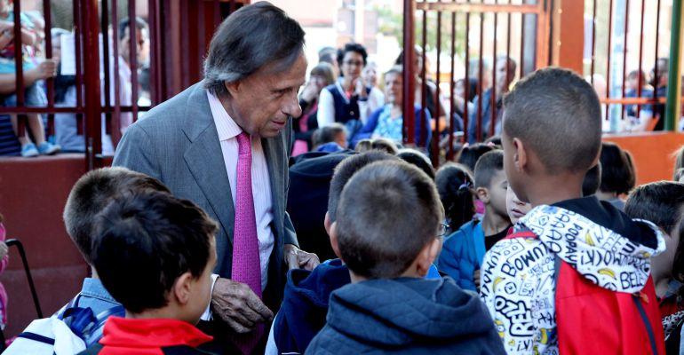 El alcalde de Alcobendas, Ignacio García de Vinuesa, en la inauguración del curso escolar de la localidad, este lunes