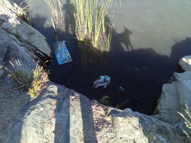 Basura en el entorno del Lago Alonso