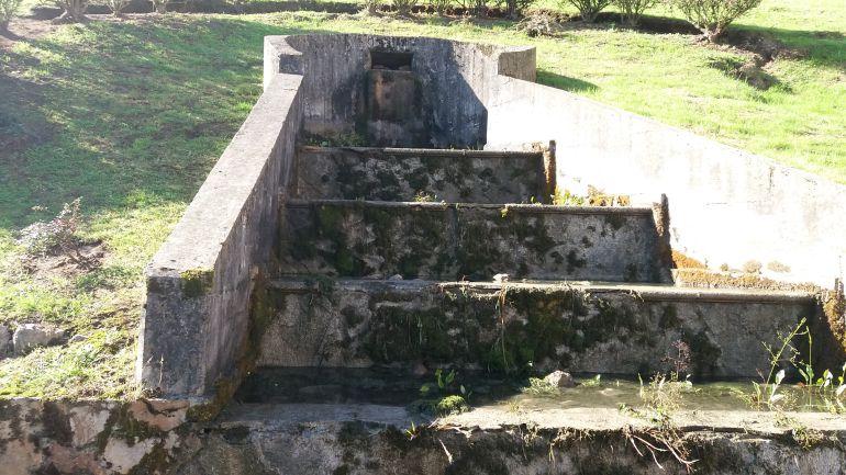 La fuente de Villafría sin agua.