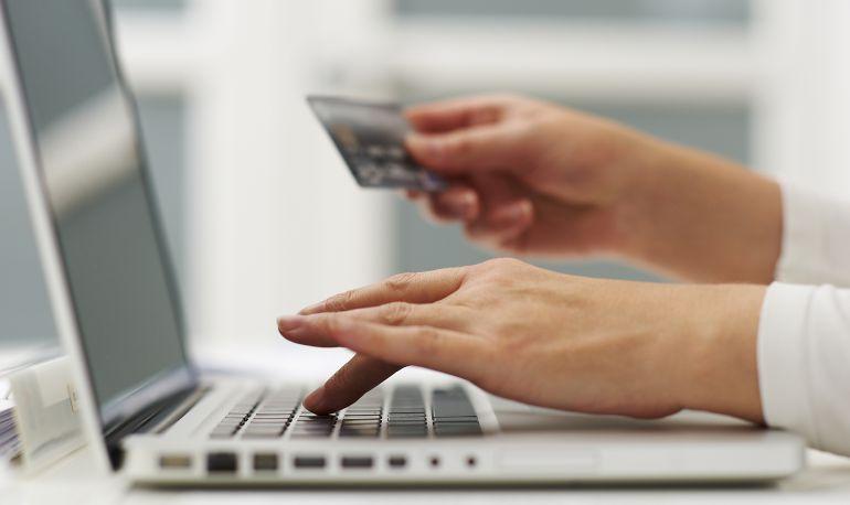La denuncia de dos lucenses descubre una supuesta estafa de más de 20.000 euros por internet