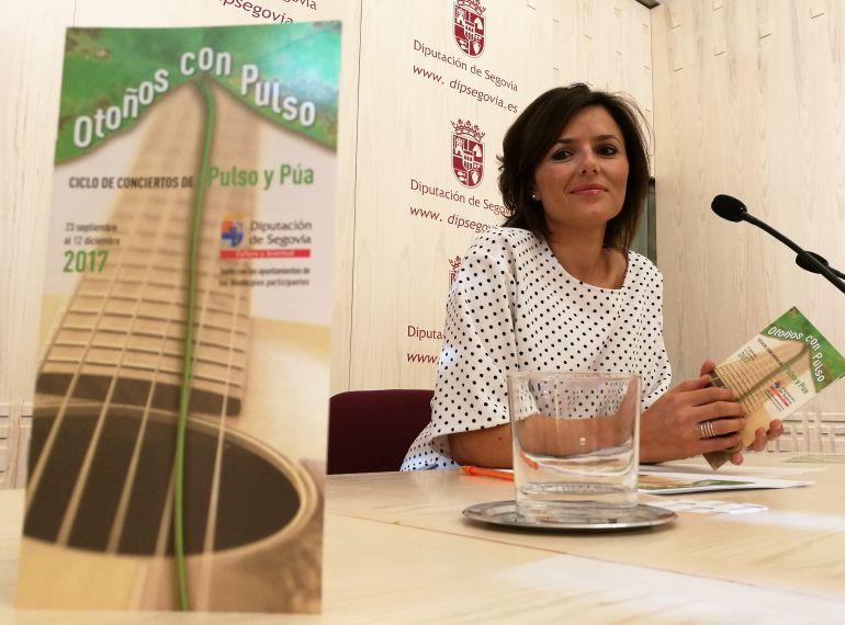 La diputada de cultura Sara Dueñas durante la presentación del Ciclo Otoños con Pulso