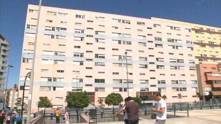 Bloque de edificios de Travesía de Vigo que estuvieron okupados hasta este martes.
