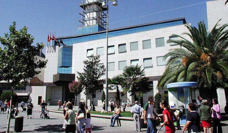 El Ayuntamiento de Getafe ha ordenado retirar la antena de telefonía móvil situada junto a la A-42
