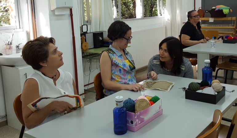 La viceconsejera ha visitado los talleres para personas con discapacidad