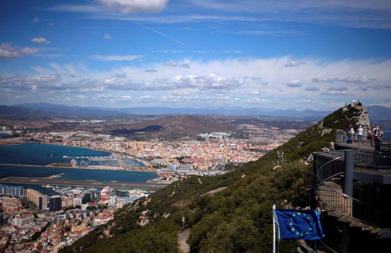 Gibraltar y su Campo desde el aire