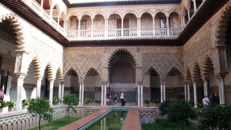 Patronato del Alcázar: El Patronato del Alcázar trata el informe de Icomos, la apertura de la cripta y subir dos euros la entrada