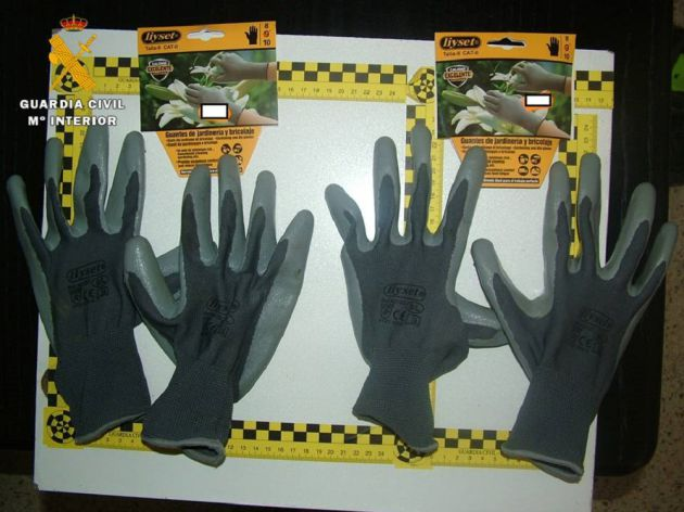 Guantes de jardinería utilizados en los robos
