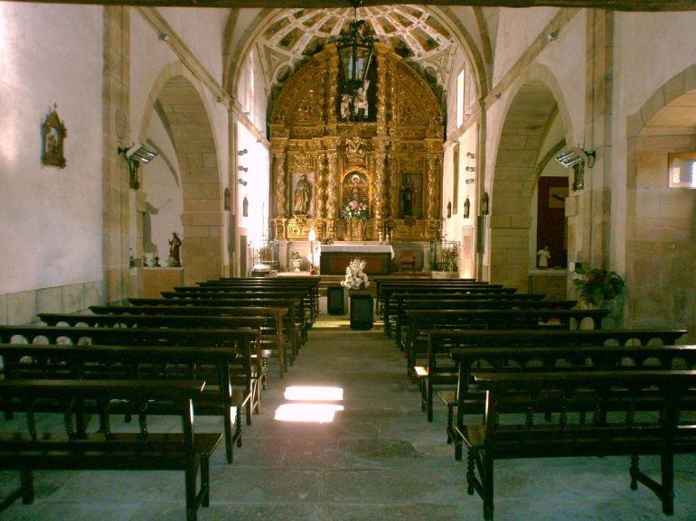 Interior del Santuario de Nuestra Señora de Contrueces, en Gijón.