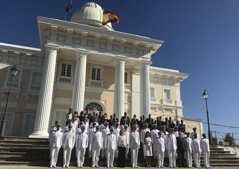 El Rey Felipe VI, hoy junto a las dotaciones del Obervatorio y el Edificio de la Hora