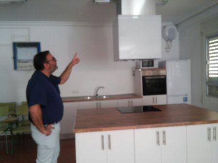 El director nos explica alguno de los pormenores de las nuevas instalaciones