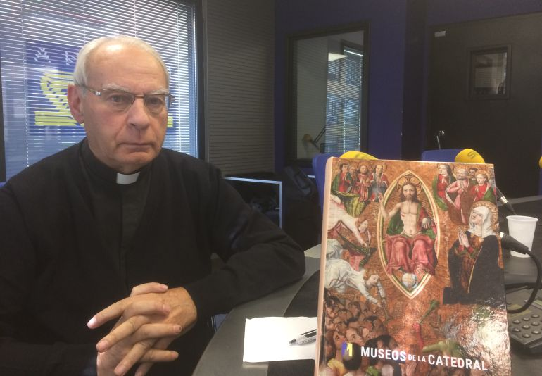 Máximo Gómez Rascón, en los estudios de Radio León