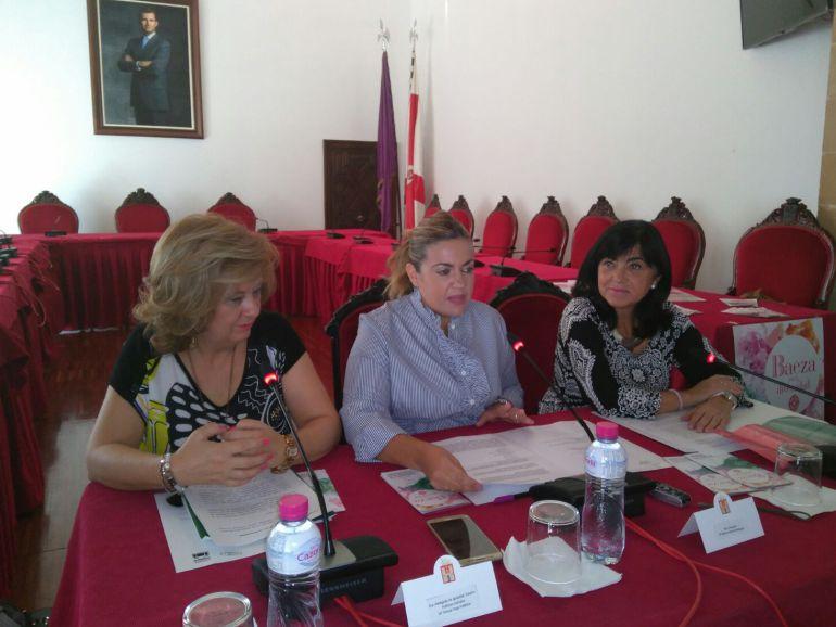 Teresa Vega, Beatríz Martín y Paqui Medina en la presentación de 'Baeza por la Diversidad 2017'