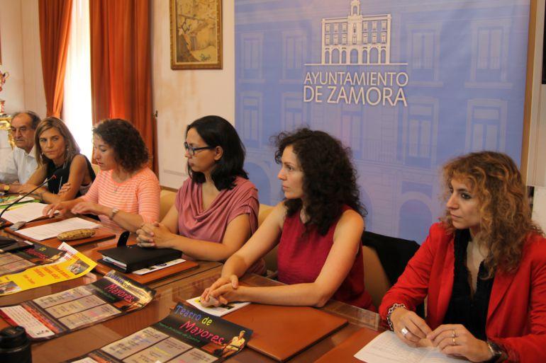 Maria José González Torijano toma la palabra en la presentación del Programa de Envejecimiento Activo