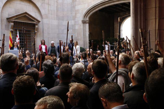 Ada Colau en su discurso en el Ayuntamiento.
