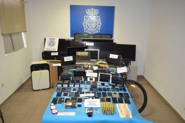 Diversos objetos robados, que pueden ser reconocidos por sus propietarios legítimos