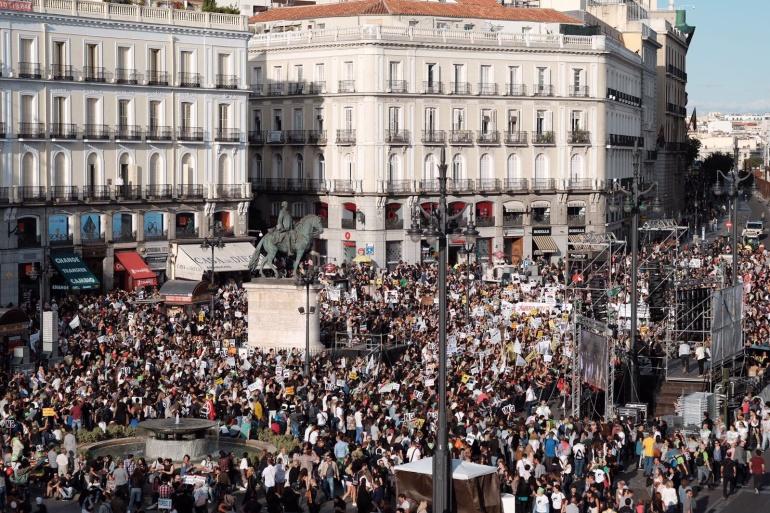 Los manifestantes concentrados al inicio de la reivindicación en Puerta del Sol.