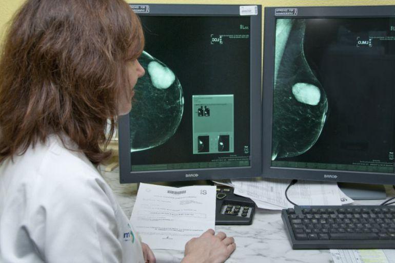 El centro ha invertido más de 340.000 euros para adquirir el mamógrafo