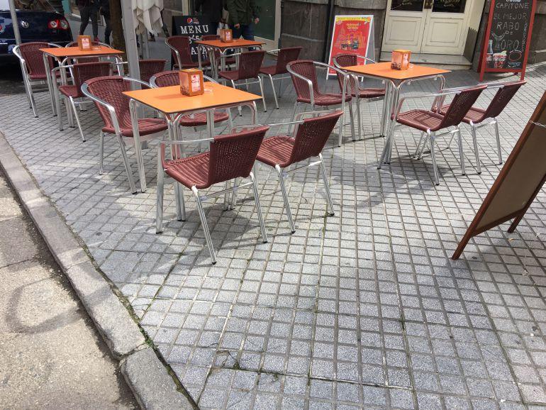 Veladores en la calle Claudio Marcelo