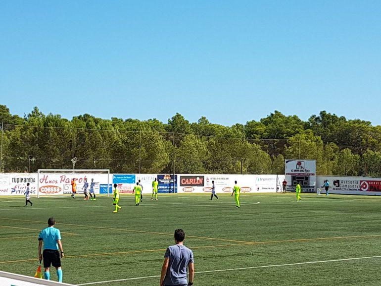El Elche venció en el campo sintético del Peña Deportiva de Santa Eulalia