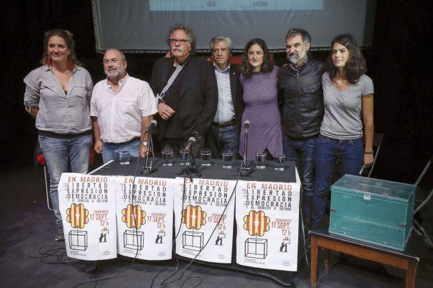 La asociación 'Madrileños por el derecho a decidir' durante el acto.