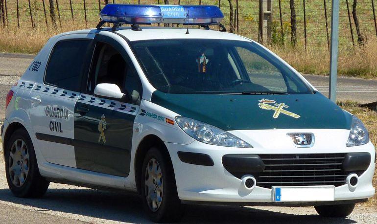 13 agentes de la Guardia Civil han resultado heridos.