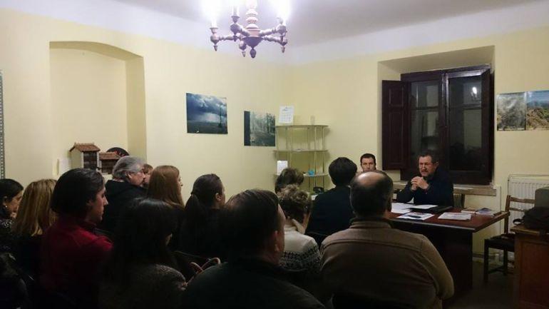 Domingo Asenjo preside una reunión anterior de la Asociación de Turismo Rural y Activo de Segovia.