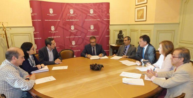 Reunión de la mesa de contratación en la Diputación de Segovia donde se enajeno el 53% de la Sociedad Auronáutica del Guadarrama