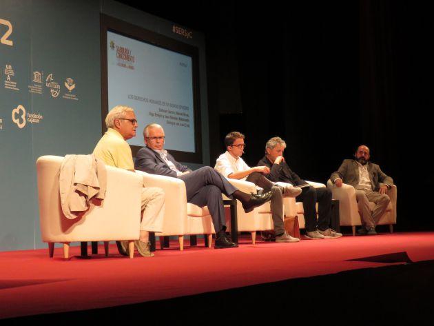 Juan Cruz modera la ponencia 'Los derechos humanos en un mundo dividido' con Garzón, Errejón, Rivas, y Manuel Torres