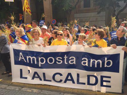 Més de 200 veïns d'Amposta s'han desplaçat en autocar fins a Tarragona.