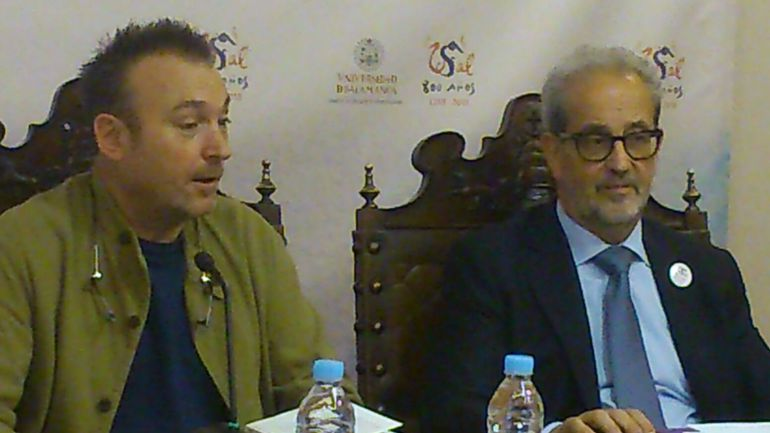 Miquel Barceló junto al rector de la USAL.