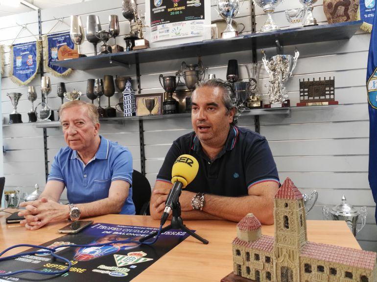 Miguel Ángel Gallardo junto a Miguel Soto duarnte el acto de presentación