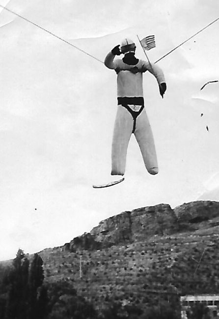 El astgronauta Armstrong como 'judas' en la Bene en 1969, el año de la llegada a la Luna.