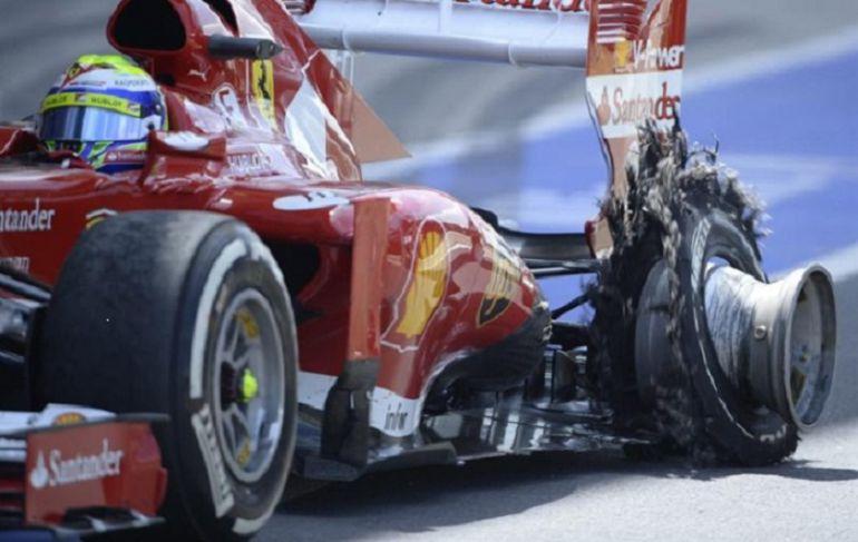 Bólido de Fórmula 1 con la rueda reventada en el Gran Premio de F1 celebrado en Valencia