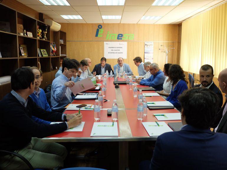 Las instalaciones de la firma ribereña IMESA han acogido la asamblea trimestral del Clúster de Bienes de Equipo de Castilla y León