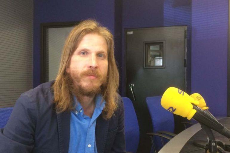 Pablo Fernández en los estudios de Radio León