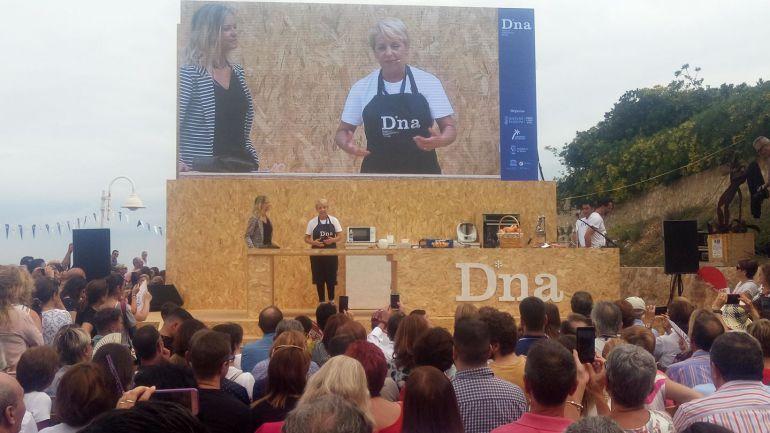 Ponencia y showcooking de Susi Díaz, en el escenario principal de D*NA Festival Gastronòmic.