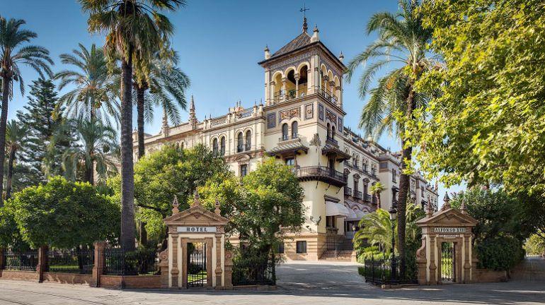 Hotel Alfonso XIII Sevilla: Alfonso Candau, nuevo relaciones públicas del Hotel Alfonso XIII